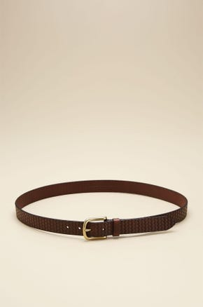 CURVED BUCKLE TEXTURED LEATHER BELT