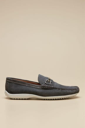 LOAFERS SHOES WITH METAL CLASP DETAIL