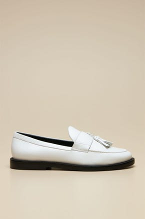 LOAFER WITH LEATHER TASSELS
